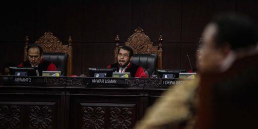 Hakim MK Sebut Dalil BPN Prabowo Soal Surat Suara Tercoblos di Gowa Tak Beralasan