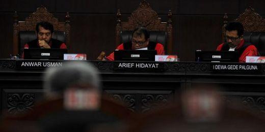 MK Nilai Tudingan Jokowi Money Politics Tak Bisa Dibuktikan Kubu Prabowo