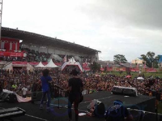 Konser Wonderful Indonesia Goyang Perbatasan Entikong