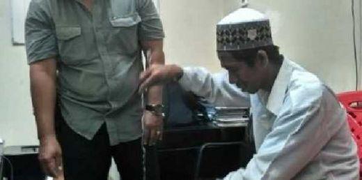 E... Buset Dah, Nyamar Pakai Baju Koko Mirip Ustaz, Pria Ini Ternyata Maling Kotak Amal di Masjid