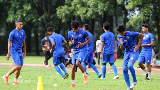 Uji Coba Arema FC, Mulai Trofeo Persija Hingga Tim Asal Singapura