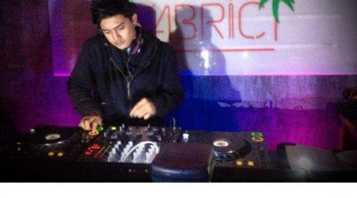 Tragis... DJ Ganteng Tewas di Depan Diskotek karena Dikeroyok Belasan Orang