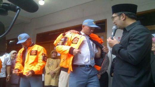 Wali Kota Bandung Ridwan Kamil Beri Penghargaan pada Siswa yang Kejar Pelaku Bom Panci