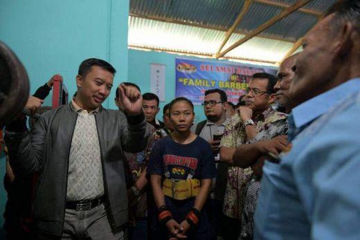 Sempat Galang Dana dengan Turun ke Jalan, Sandra Diana Sari Ditemui Menpora di Padang