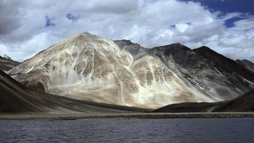 Dunia sedang Hadapi Covid-19, China dan India Diharap Berkepala Dingin di Pangong Lake