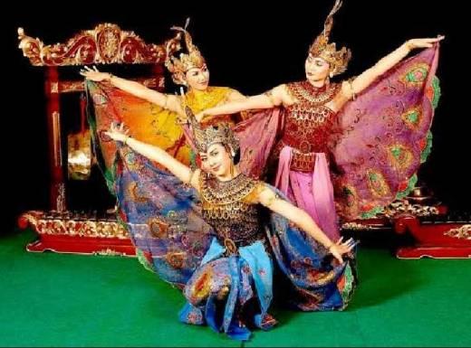 Tamu PATA Travel Mart 2016 Disuguhi Atraksi Budaya di TMII