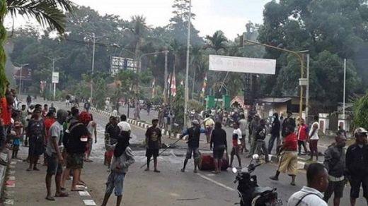Demo Ricuh di Deiyai Papua, 1 Anggota TNI Meninggal dan 5 Polisi Terluka