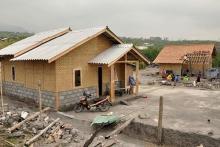 Korban Gempa 2 Tahun Lalu Terima Bantuan Rumah dari Pemerintah