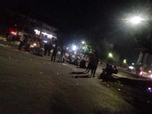 Dilindas Mobil Polisi saat Demo Lanjutan, Seorang Mahasiswa di Makassar Kritis