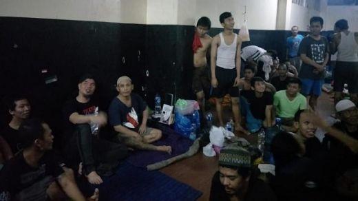 Dijenguk Priyo Budi Santoso, Ahmad Dhani Cerita Tidur Bak Ikan di Penampungan