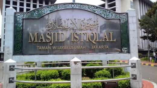 Masjid Istiqlal Diancam Bom, Pelaku Ditangkap di Apartemen