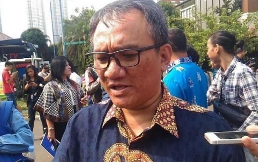 Andi Arief: Rugi Besar Demokrat Koalisi dengan PDIP, Sama Juga Bunuh Diri Politik