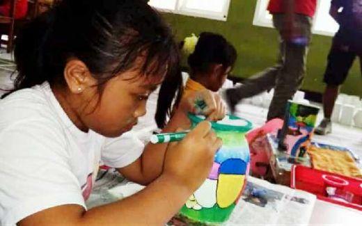 Gubuke Wong Ngalam, Ajak Anak-anak Berkreasi Lukis Gerabah, Sunatan dan Bakti Sosial