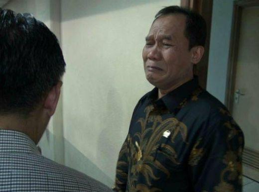 Tak Tega Penumpang Harus Bayar Bagasi dan Tinggalkan Barangnya di Juanda,  Anggota DPR Ini Menangis