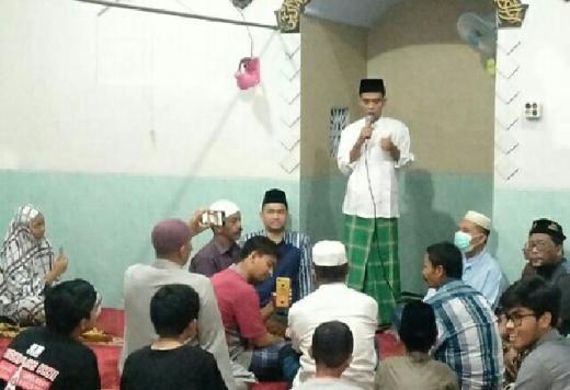 Diminta Mertua Jadi Imam Salat Tarawih, Ini Ceramah Perdana UAS usai Menikah