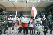 Sambangi Markas TNI AL, Anak-anak Ini Serahkan Dana Rp21 Juta Lebih untuk Beli Kapal Selam
