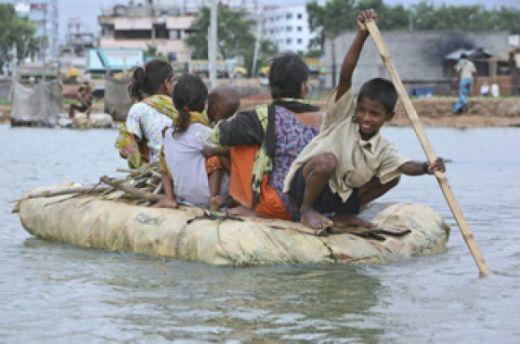 10 Ribu Gubuk Pengungsi Rohingya Hancur Disapu Topan Mora