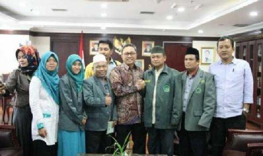 Zulkifli Hasan: Dai dan Kyai Harus Paling Depan Jaga Agama dan Bela Negara