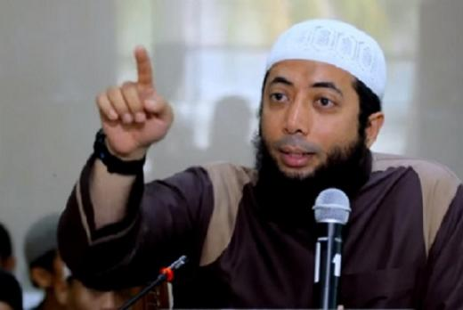 Klarifikasi Lengkap Ustaz Khalid Basalamah soal Viral Larang Nyanyi Indonesia Raya