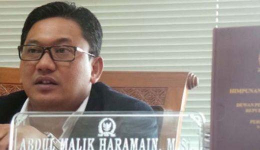 DPR: Sudah Terlalu Gawatkah Bangsa Ini, sehingga Khatib Jumat pun Harus Diatur?