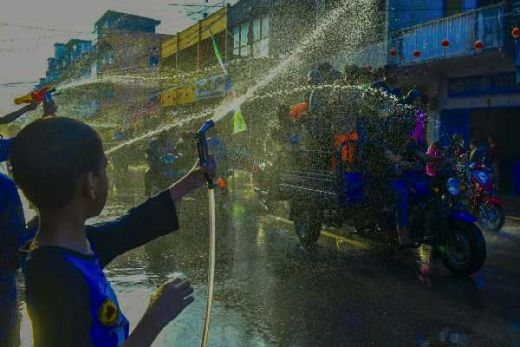 Yuk Ramaikan Festival Perang Air di Selatpanjang Riau