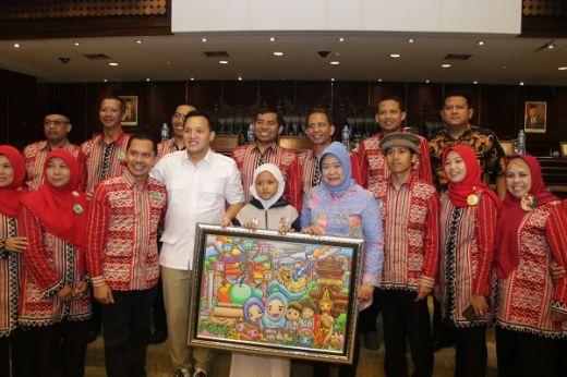 Moreno Paparkan Fungsi Parlemen ke Ratusan Siswa MIN I Malang