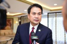 Lawan Covid -19, Aziz Syamsudin Ajak Warga Budayakan Gotong Royong