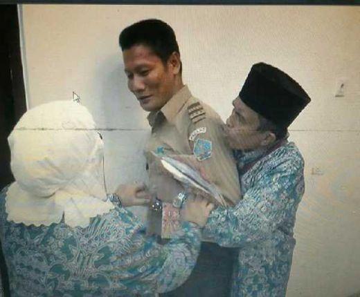 Sedih..., Sudah Nabung 7 Tahun, Saat Mau Berangkat Haji Didiagnosa Gagal Ginjal, Dosen di Padang Dipaksa Pulang